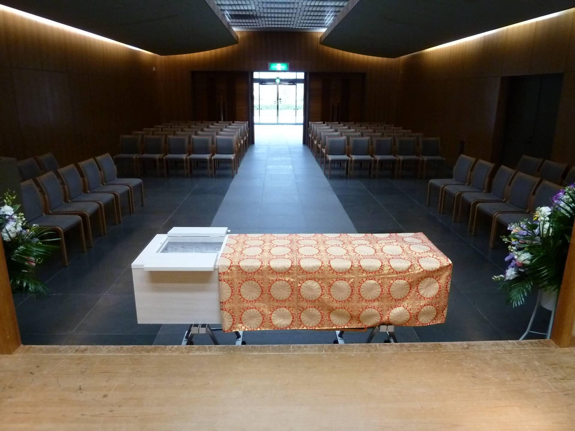 川崎市で家族葬を!小規模化する葬儀、通夜をしない家族葬が増加